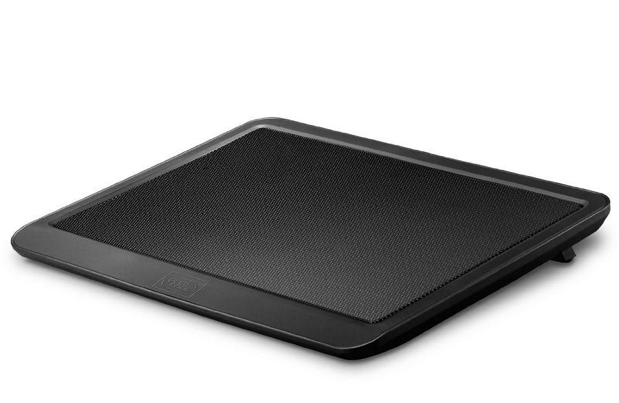 DeepCool N19 - 330 x 250 x 24 мм; охлаждение - активное (1 вентилятор); питание - USB-порт; USB-хаб - нет, есть сквозной USB-коннектор