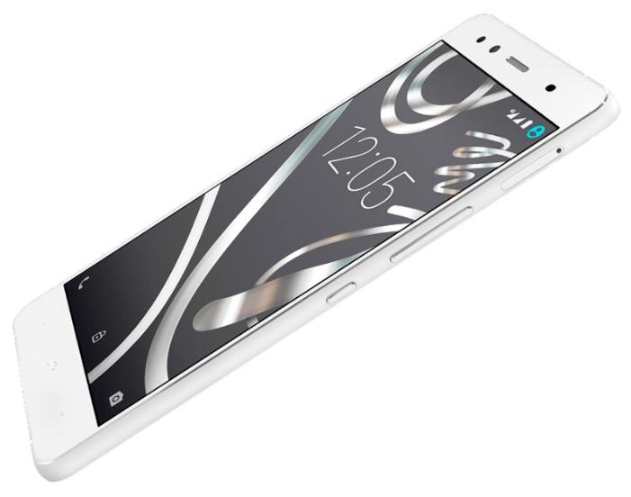 BQ Aquaris X5 Android Version 16Gb, White silver - (; GSM 900/1800/1900, 3G, 4G LTE; SIM-карт 2 (nano SIM); Qualcomm Snapdragon 412 MSM8916T, 1400 МГц; RAM 2 Гб; ROM 16 Гб; 2900 мАч; 13 млн пикс., светодиодная вспышка (фронтальная и тыльная); есть, 5 млн пикс.; датчики - освещенности, приближения, Холла, гироскоп, компас)