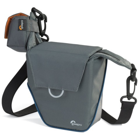 Сумка для фотокамеры Lowepro Compact Courier 70 grey - текстиль, фиксация на поясном ремне, плечевой ремень