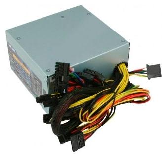 AeroCool VP-650 650W - 650 Вт, 1 вентилятор (120 мм), линия +12В(1) - 22 A, линия +12В(2) - 22 A • Molex: 5 / SATA: 6 / CPU 4+4pin