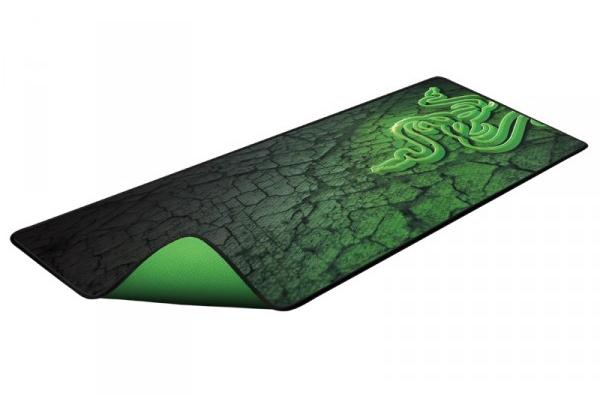 Razer Goliathus 2013 Control Extended - (ткань на резиновой основе; 920 x 294 x 3 мм; шероховатое тканевое покрытие с износостойкими краями и нескользящим резиновым основанием)
